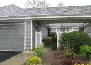 Casa en ejecución hipotecaria in Moriches, NY, 11955,  UPPER MIDLAND POND CT ID: F4305642