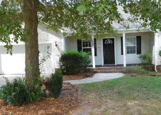 Foreclosed Home in ENGLISH WALNUT DR, Richlands, NC - 28574