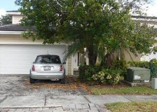 Foreclosed Home en SE 32ND AVE, Homestead, FL - 33033