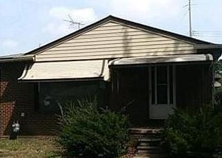 Foreclosed Home en VINE AVE, Allen Park, MI - 48101