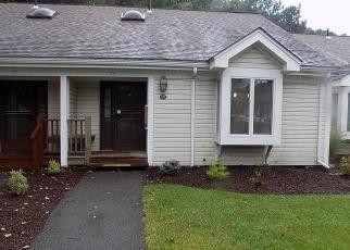 Foreclosed Home en VILLAGE DR, Stroudsburg, PA - 18360