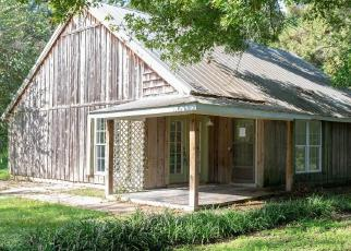 Foreclosed Home in DON GUILBEAU RD, Arnaudville, LA - 70512
