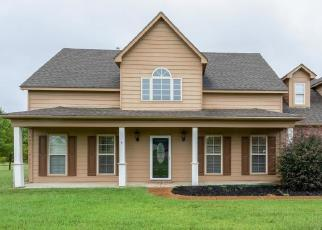 Foreclosed Home in CROOKED CREEK DR, Oakland, TN - 38060