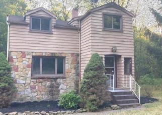 Foreclosed Home en WALLACE RUN RD, Beaver Falls, PA - 15010