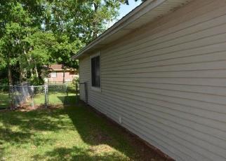 Foreclosed Home en PALM BLVD S, Niceville, FL - 32578