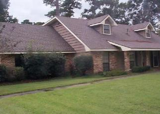 Foreclosed Home in LOUISE ST, Sulphur, LA - 70663