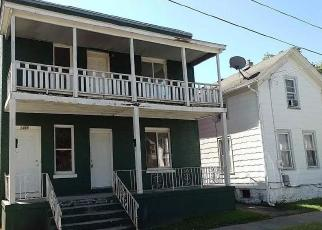 Foreclosed Home en 11TH AVE, Rockford, IL - 61104