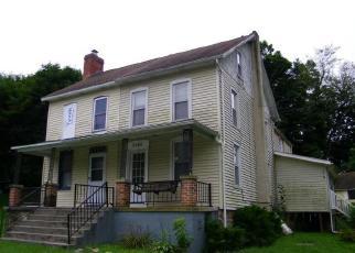 Foreclosed Home en LEHMAN RD, Spring Grove, PA - 17362