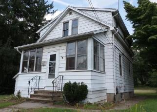 Casa en ejecución hipotecaria in Newington, CT, 06111,  ROBERTS ST ID: F4306621