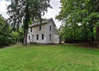 Foreclosed Home en MULBERRY POINT RD, Guilford, CT - 06437