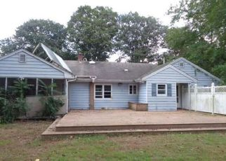 Foreclosed Home en HIGH RIDGE RD, Fairfield, CT - 06825
