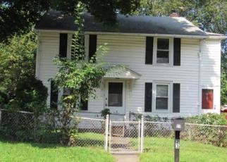 Foreclosed Home en EMMALON AVE, White Plains, NY - 10603