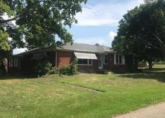 Foreclosed Home en AVONDALE LN NW, Canton, OH - 44708