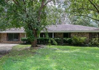 Foreclosed Home in PRESCOTT DR, Moss Point, MS - 39562
