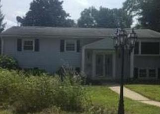 Foreclosed Home in JOANNE DR, Holyoke, MA - 01040