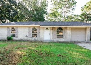 Foreclosed Home in KELLIE DR, Houma, LA - 70360