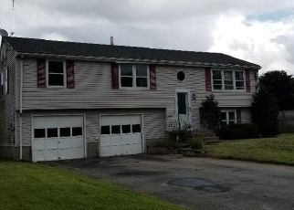 Foreclosed Home in COLUMBIA RD, Windsor, CT - 06095