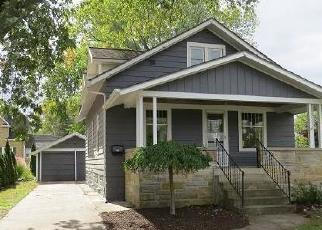 Foreclosed Home en E CENTRAL AVE, Zeeland, MI - 49464