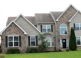 Foreclosed Home en STREAMVIEW WAY, Quakertown, PA - 18951