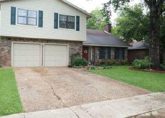 Foreclosed Home in S DRESDEN CIR, Shreveport, LA - 71115
