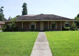 Foreclosed Home in E GREENBRIAR ST, Gonzales, LA - 70737