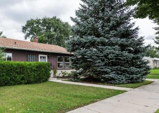 Foreclosed Home en W BENNETT AVE, Milwaukee, WI - 53219