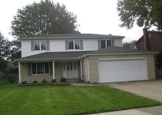 Foreclosed Home en LOMBARDY DR, Canton, MI - 48187