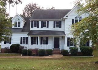 Foreclosed Home en IVYRIDGE DR, Chester, VA - 23831