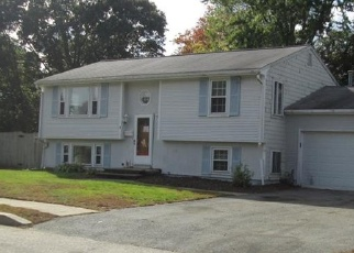 Foreclosed Home in GLORIA DR, Warwick, RI - 02886