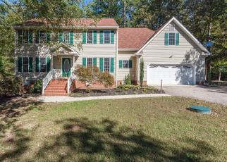 Foreclosed Home en OAK RIVER DR W, Petersburg, VA - 23803
