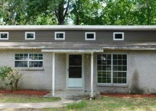 Foreclosed Home en SILVER LAKE TER, Jacksonville, FL - 32216