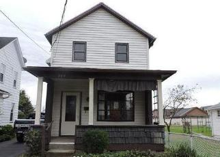 Foreclosed Home en 5TH ST, Wyoming, PA - 18644