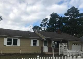 Foreclosed Home in HOLLYWOOD DR, Forked River, NJ - 08731