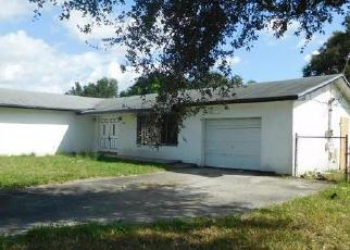 Foreclosed Home en NW 22ND AVE, Opa Locka, FL - 33056