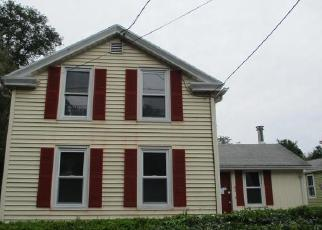 Foreclosed Home en N MAIN ST, East Windsor, CT - 06088