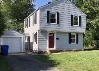 Foreclosed Home en MOODY ST, Bristol, CT - 06010