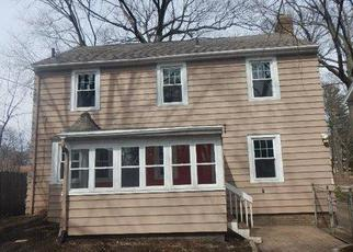 Foreclosed Home en SPARROW AVE, Lansing, MI - 48910
