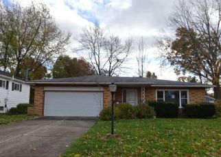Foreclosed Home en REDWOOD DR, Olmsted Falls, OH - 44138