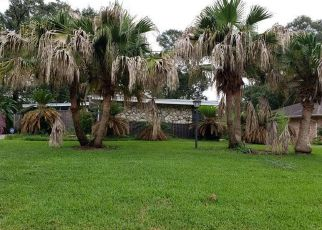 Foreclosed Home in WILLIAMSBURG LN, Beaumont, TX - 77706