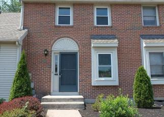 Foreclosed Home in ORCHARD BROOK DR, Wethersfield, CT - 06109