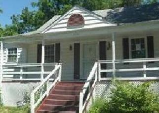 Foreclosed Home en ROMAIN CT, Suitland, MD - 20746