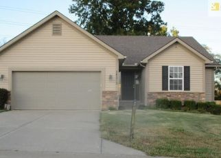 Foreclosed Home en E 23RD TER CT S, Independence, MO - 64057