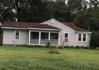 Foreclosed Home in OAKS RD, Paducah, KY - 42003