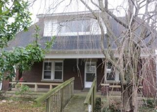 Foreclosed Home in E BROADWAY ST, Winchester, KY - 40391