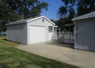 Foreclosed Home in N EAST END AVE, Round Lake, IL - 60073
