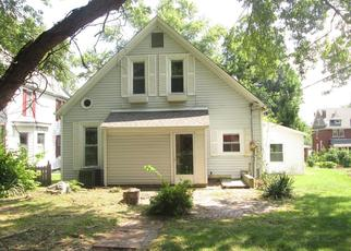 Foreclosed Home in PARK AVE, Belleville, IL - 62220