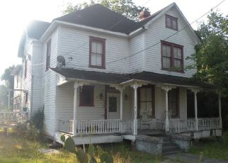 Foreclosed Home en GILMORE ST, Waycross, GA - 31501