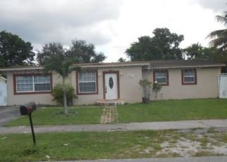 Foreclosed Home en NW 171ST ST, Opa Locka, FL - 33055