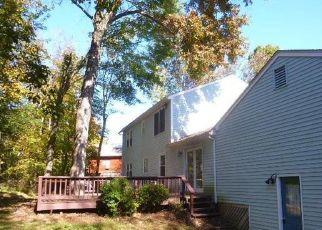Foreclosed Home en GAYLORD MOUNTAIN RD, Hamden, CT - 06518