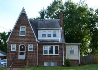 Foreclosed Home en KENTUCKY AVE, District Heights, MD - 20747